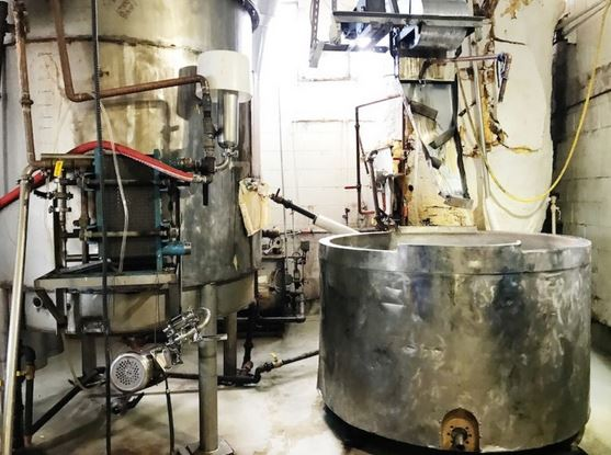 Vancouver Brewery Tours Inc - Storm Brewing Mash Tun